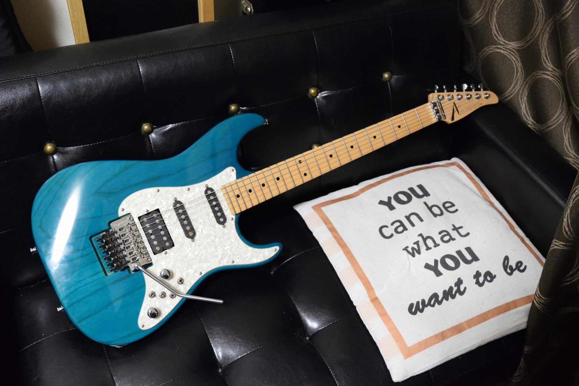 新しいギター買いました!Tom Anderson The Classic Bora Bora Blue