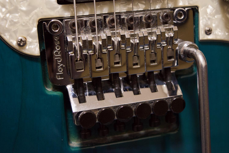 ギターの弦交換を写真多めで解説!【Floyd Rose編】